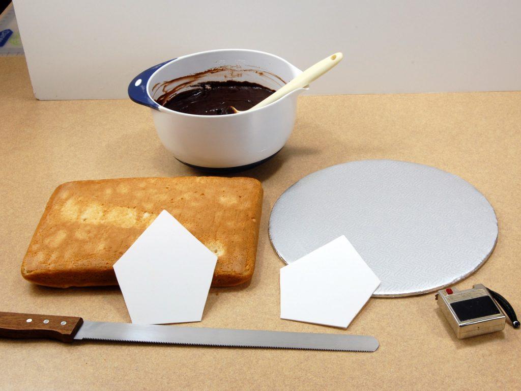 giles-birdhouse-cake-tutorial-step-1
