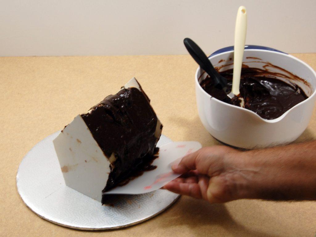 giles-birdhouse-cake-tutorial-step-10