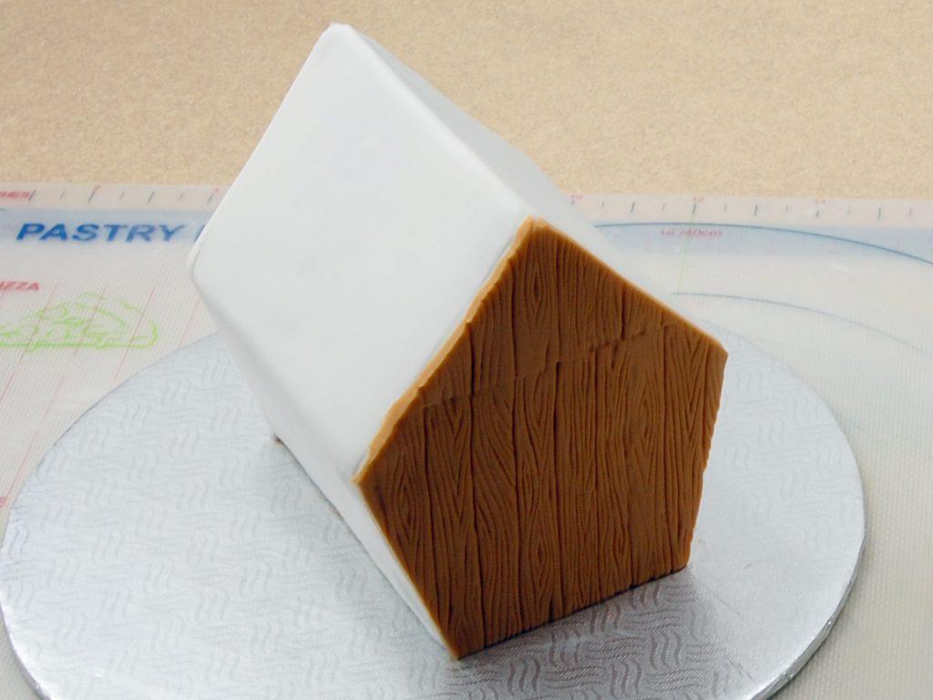 giles-birdhouse-cake-tutorial-step-16