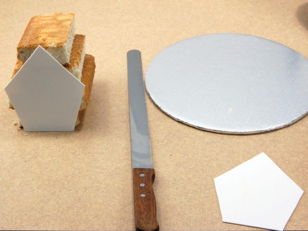 giles-birdhouse-cake-tutorial-step-2