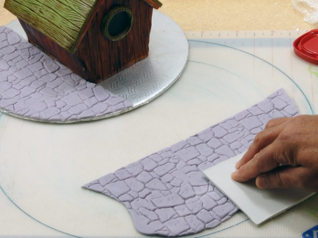giles-birdhouse-cake-tutorial-step-25