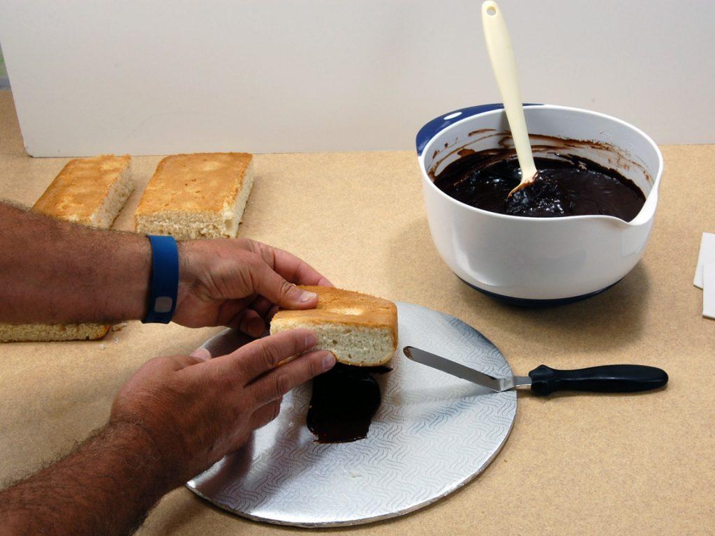 giles-birdhouse-cake-tutorial-step-3