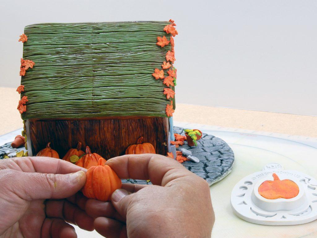 giles-birdhouse-cake-tutorial-step-32