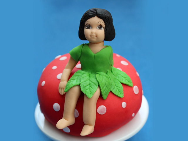 Fairy-Model-cake-topper-with-leaf-dress-made-using-Rose-Leave-silicone-cake-mould