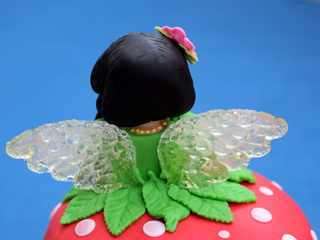 fairy-cake-topper-with-glass-wings