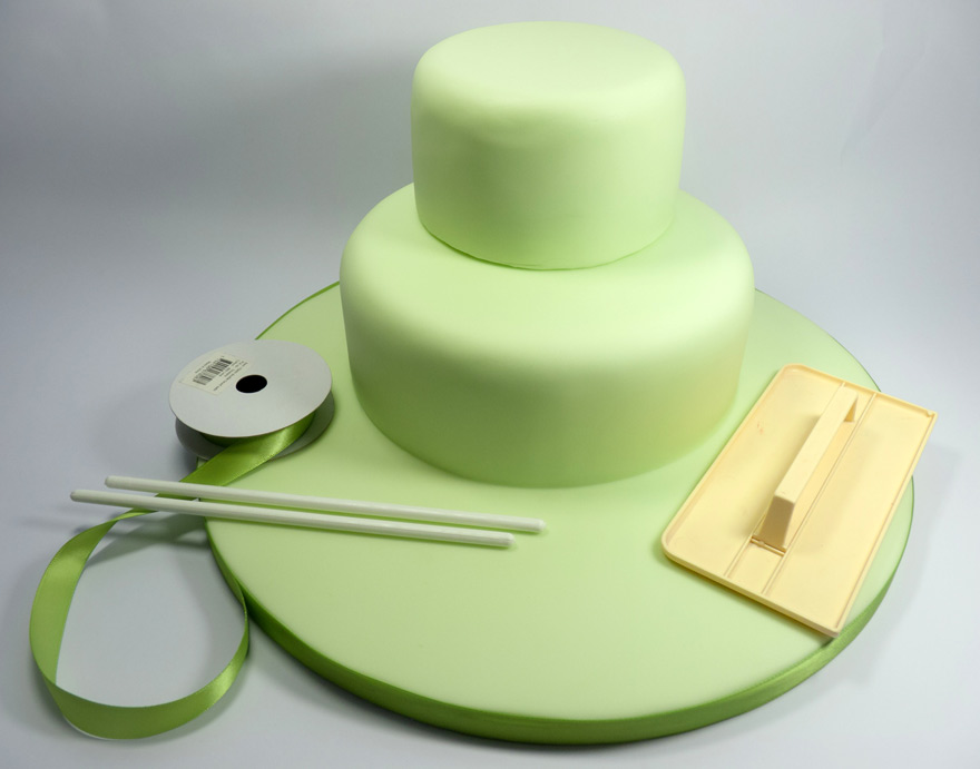 2-Cake-Ribbon-Green-Sugarpaste-Two-Tier